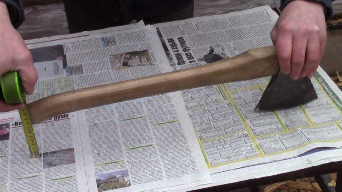 Сверка замеров насаженного топора с таблицей
