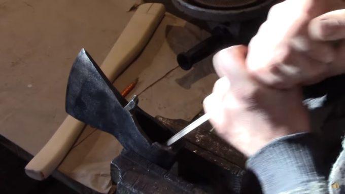 Снятие фаски с проушины