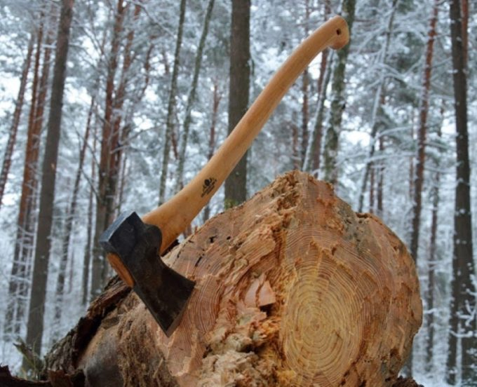 Топор для валки леса