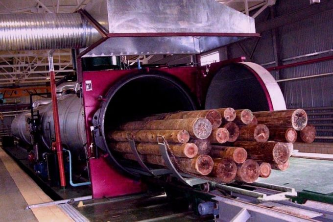 Использование автоклава для пропитки древесины