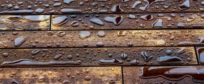 Термообработанная древесина влагоустойчива