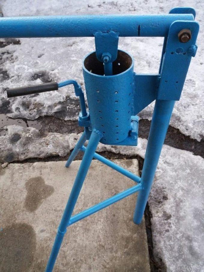 Механический пресс для топливных брикетов