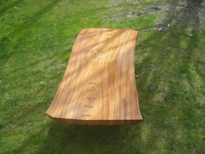 Полированная древесина вяза