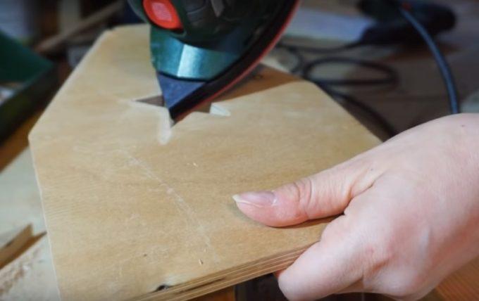 Шлифовка деталей ящика для инструментов