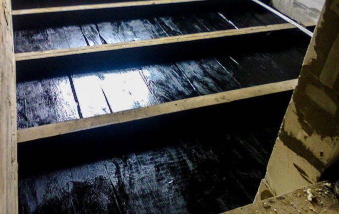 Обработка древесины пропиткой на основе битума