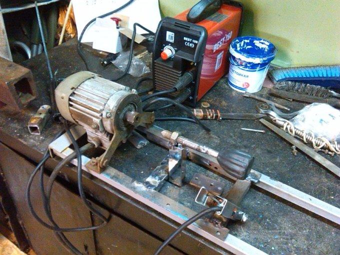 Двигатель для токарного станка по дереву