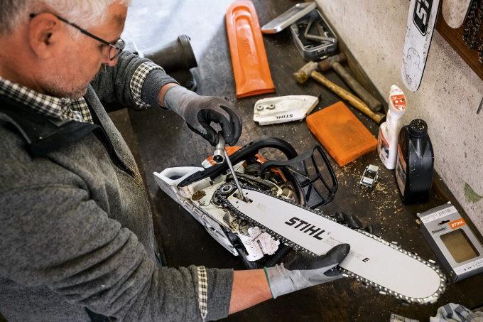 Техника безопасности при ремонте электропилы