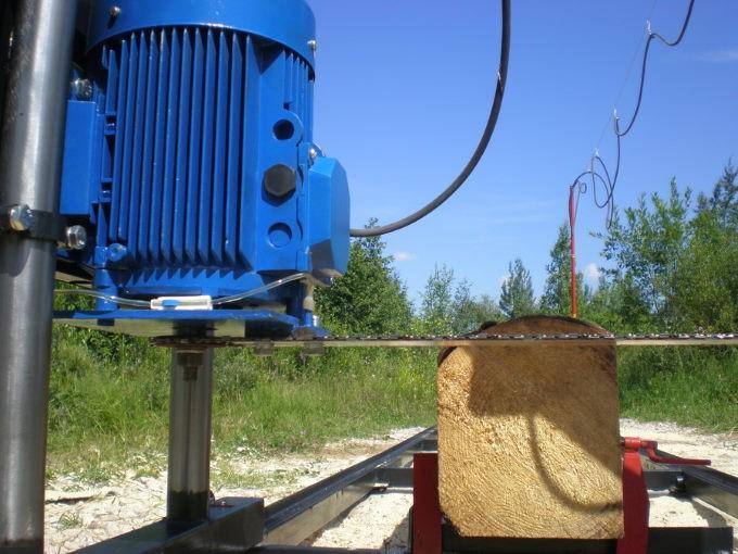 Двигатель шинной пилорамы