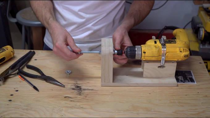 Изготовление станка из дрели своими руками